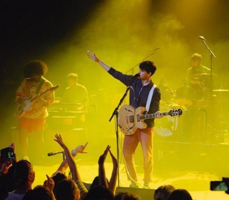 """Trupa rock Vampire Weekend, în fruntea Billboard 200 cu albumul """"Father of the Bride"""""""