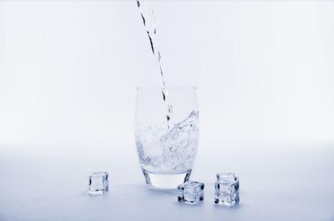 Top 5 mituri despre apă pe care trebuie să le cunoști
