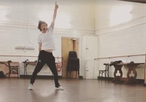 Are 75 de ani și tocmai a fost operat la inimă, dar dansează la fel ca întotdeauna! Mick Jagger a făcut senzație pe internet - Video
