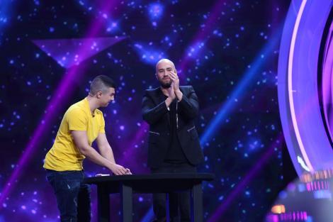 """HA-HA-HA! Mihai Bendeac, ajutorul de magician al lui Răzvan Faraoanu! Delia: """"Tot acest moment, fabulos de altfel, nu putea să fie mai scurt?"""""""