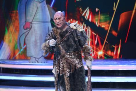 Cel mai romantic ciclop din lume a făcut show la Scena misterelor! Cine a purtat masca?