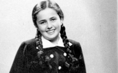"""""""Broasco! Ai picioarele râioase! Marș!"""". Avea doar 13 ani și își dorea teribil să trăiască, dar Îngerul Morții a împins-o spre sfârșit. Povestea cumplită a unei fetițe din România"""