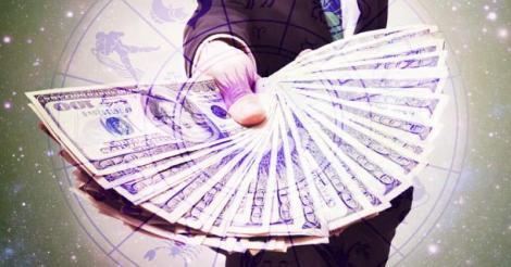 Zodiile care au noroc de bani în vara anului 2019! Berbecii și Taurii vor câștiga sume importante