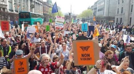 Sute de mii de elevi, în grevă! Copiii vor părăsi sălile de clasă pentru a cere măsuri privind schimările climatice