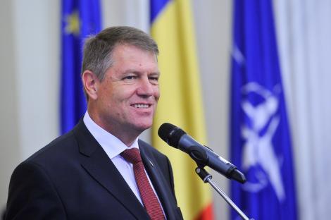 """Klaus Iohannis votează la Europarlamentare și Referendum: """"Astăzi puteți începe să schimbați România!"""""""
