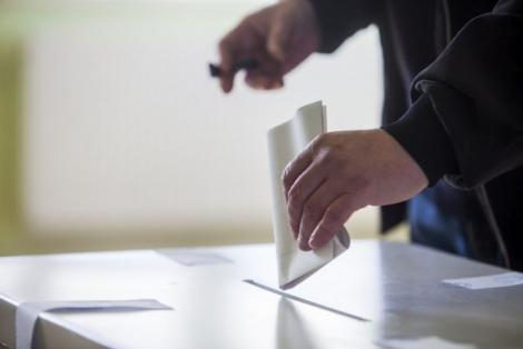 Incident neașteptat în secțiile de votare! Ce au făcut unii români, imediat după vot