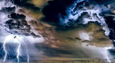Vremea în București: Avertizări meteo de furtuni și grindină până sâmbătă