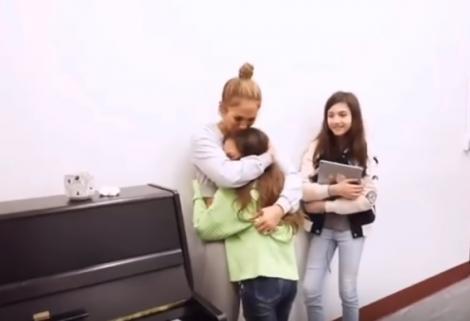Uau! Fiica lui Jennifer Lopez și a lui Marc Anthony cântă uluitor! Ți se face pielea de găină - Video
