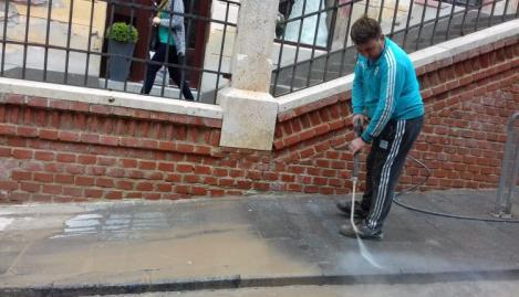 Summit UE Sibiu 2019. Restricții și pregătiri intense: Restaurante și școli închise, străzi spălate și pe ploaie