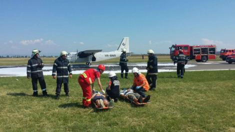 Ultimă oră! Avion prăbușit la Ploiești! Pilotul, transportat de urgență la spital