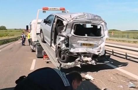 O româncă și doi copii au pierit într-un accident rutier produs în Franța! Soțul femeii, în stare gravă!