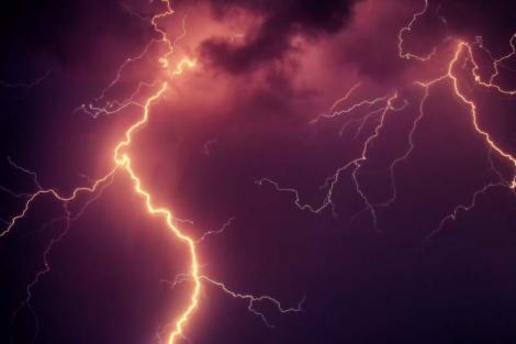 Update: Alertă meteo furtuni și grindină în România! Caniculă, de miercuri