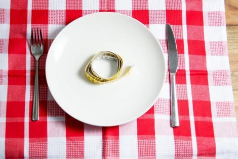 Mituri despre dietă. Ce te ajută și ce nu te ajută să slăbești
