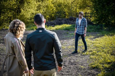 Fructul oprit, sezonul 2, episodul 39. Sonia e la un pas să afle adevărul despre mama ei. Adrian face infarct!