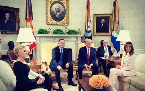 """Trump promite să trimită 1.000 de militari suplimentari în Polonia şi critică Germania, """"ostatica"""" Moscovei în aprovizionarea energetică"""