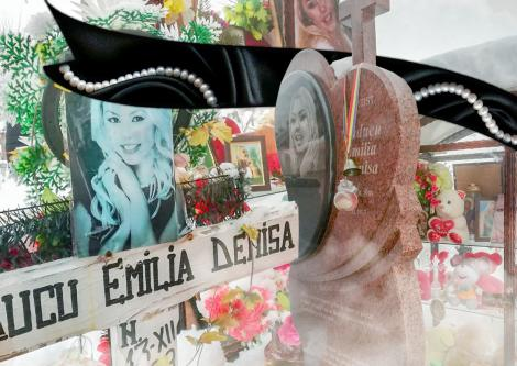 Se întâmplă la mormântul Denisei Răducu! Oamenii sunt împietriți când văd ce se petrece!