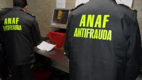 Români înșelați în numele ANAF! Cum sunt păcăliți oamenii în mediul online fără să aibă habar