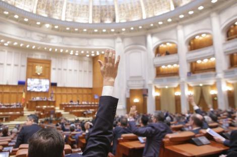 Parlamentul a aprobat constituirea Comisiei pentru modificarea legilor electorale