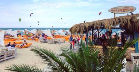 Turiștii stăini o compară cu Miami și Ibiza! Mamaia, în topul celor mai frumoase plaje din Europa!