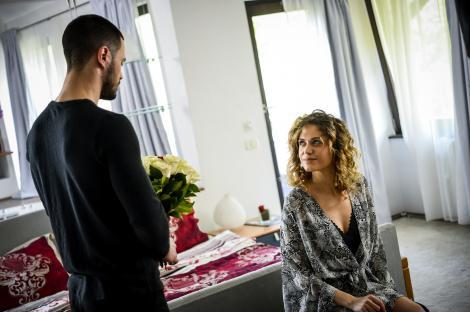 Ioan şi Alex, în culmea fericirii! Ana şi Sonia sunt însărcinate și vor să se căsătorească în aceeași zi