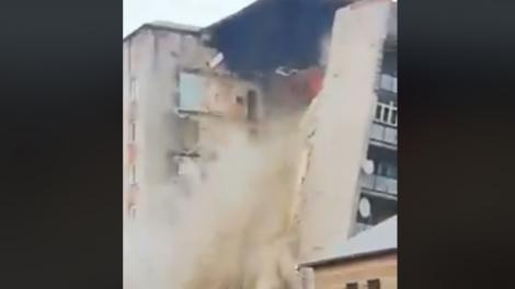 Momentul în care un bloc de nouă etaje s-a prăbușit, în Republica Moldova! Zeci de oameni au fost evacuați de urgență