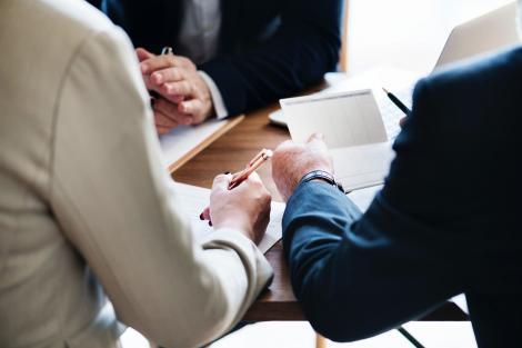 Casă de avocatură: Procedura de excludere a asociaţilor indezirabili dintr-o companie este tot mai des întâlnită