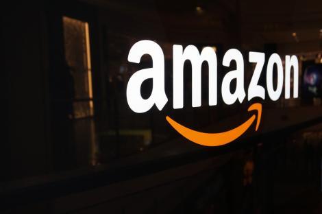 Amazon ar putea folosi dronele nu doar pentru livrarea de colete ci şi pentru servicii de supraveghere video