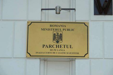 """Cazul """"Sorina"""" - Procurorul general cere Tribunalului Mehedinţi să dispună interzicerea părăsirii teritoriului României de către minoră"""