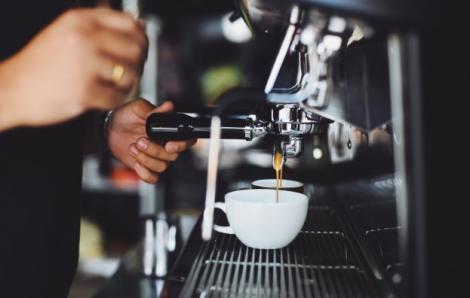 Cinci factori esențiali pentru întreținerea aparatelor de cafea