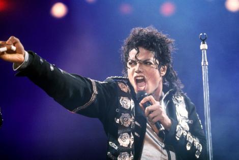 """Regizorul i-a închis telefonul în nas, de două ori! """"Nu puteam să cred că e chiar Michael Jackson!"""". Secretele celor mai cunoscute videoclipuri ale artistului"""
