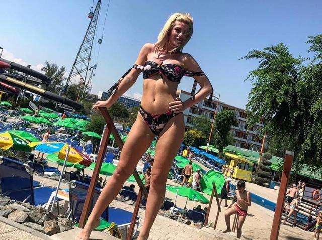 """Hannelore Ulrich de la """"Insula Iubirii"""" a pozat aproape goală! A încins atmosfera, după ce și-a pus silicoane! Imagini interzise minorilor! Foto"""