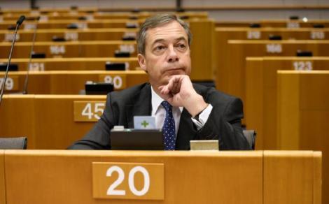 Grupul extremist din Parlamentul European al euroscepticului britanic Nigel Farage s-a desfiinţat