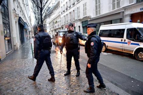 Incident armat în Franța. Mai multe focuri de armă trase în fața unei moschei