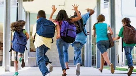 Elevii clasei a VIII-a intră, începând de vineri, în vacanţa de vară! Când începe Evaluarea Națională