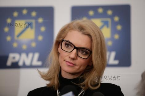 Alina Gorghiu îi cere premierului Viorica Dăncilă să anunţe că va implementa recomandările GRECO