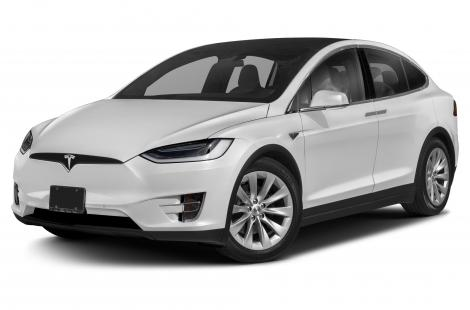 Două mașini Tesla de 160.000 de euro, reținute la frontiera din Giurgiu