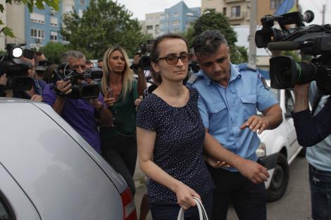 CSM a amânat pronunţarea în cazul procuroarei Maria Pițurcă, cea care a preluat brutal fetiţa de la asistentul maternal din Baia de Aramă