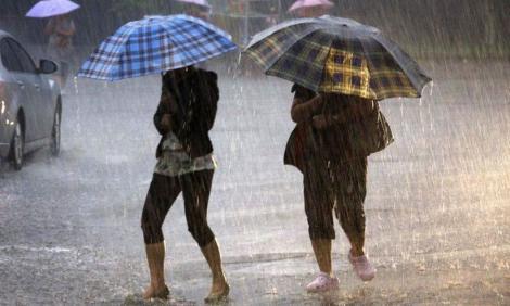 Nu scăpăm de vremea rea! Zonele în care va ploua torențial, în următoarele trei zile
