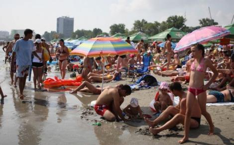 Protest: Constănțenii cer o plajă care să nu fie sufocată de plastic