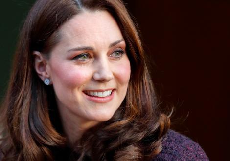Kate Middleton a întinerit la faţă în mod suspect. Ducesa a apelat la botox. Cum arată acum
