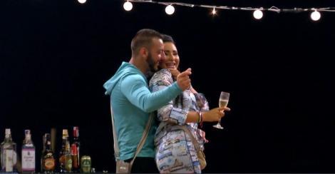 """Dana și Maria și-au unit forțele pentru a-i servi lui Adrian cea mai dură lecție! """"O să-i spun că sunt îndrăgostită de el"""""""