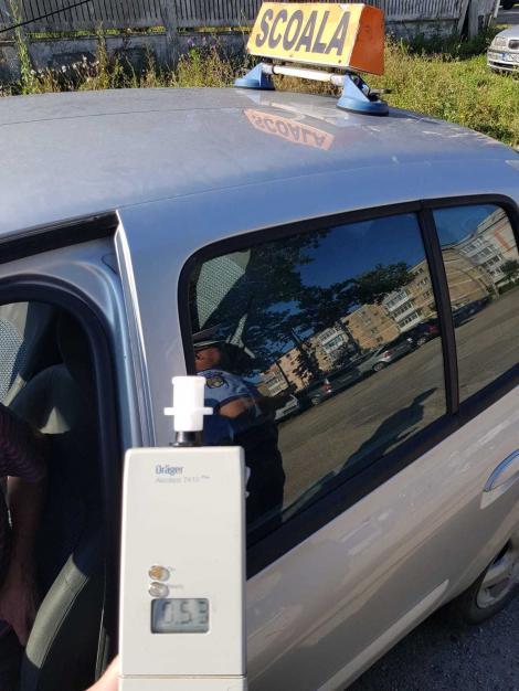 Un instructor auto din Balș a fost prins băut la volan în timp ce ducea un elev la proba pentru permis