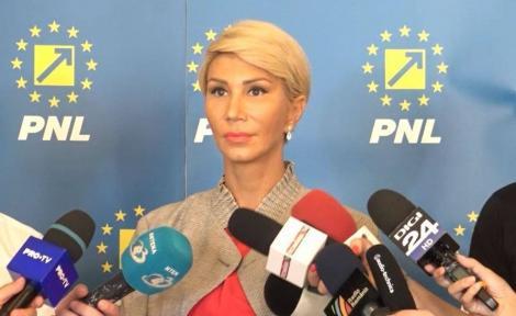 """Raluca Turcan: """"Avem posibilitatea să organizăm referendumul simultan cu turul I sau II al alegerilor prezidenţiale"""""""