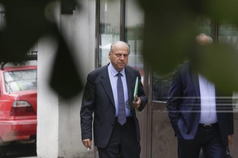 Fostul primar din Piatra Neamţ, Gheorghe Ştefan, condamnat la trei ani şi nouă luni de închisoare pentru trafic de influenţă