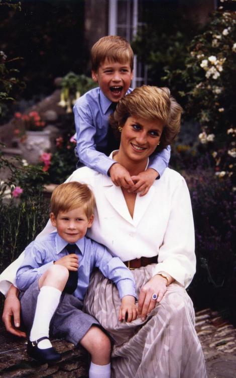 """Prințesa Diana era disperată să se recăsătorească, însă William a împiedicat-o: """"Voia să fie acolo doar pentru el!"""""""