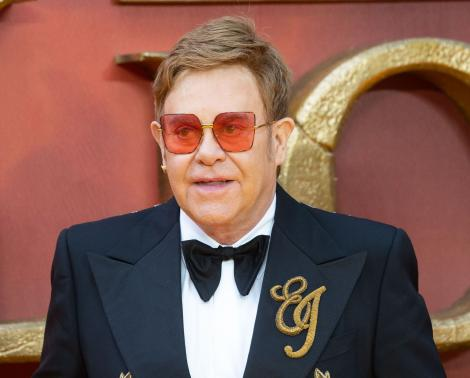 43 de ani de când Elton John cucerea topurile muzicale. Cu ce melodie a ajuns celebru