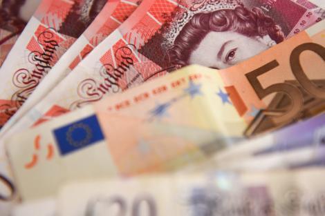 BNR Curs valutar 29 iulie 2019. Lira sterlină scade sub 5.25, euro crește