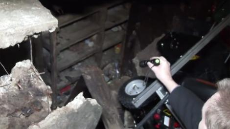 """Cameră secretă, descoperită sub garaj! Aici erau ascunse persoane! """"Cel mai probabil e un cadavru..."""""""