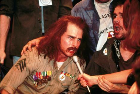 """""""Născut pe 4 iulie"""". Tom Cruise: """"Am vrut să mă injectez pentru a fi paralizat două zile. Mi-au zis că sunt dement!"""""""