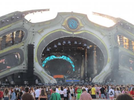 Peste 55.000 de persoane au fost prezente în prima zi a Festivalului Neversea